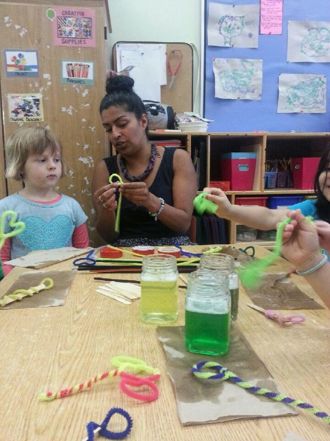 DIY PIP CLEANER BUBBLE WANDS